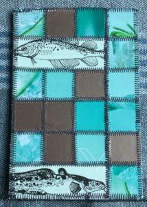 Patchwork kort med fisk i azur grøn og bronze farver