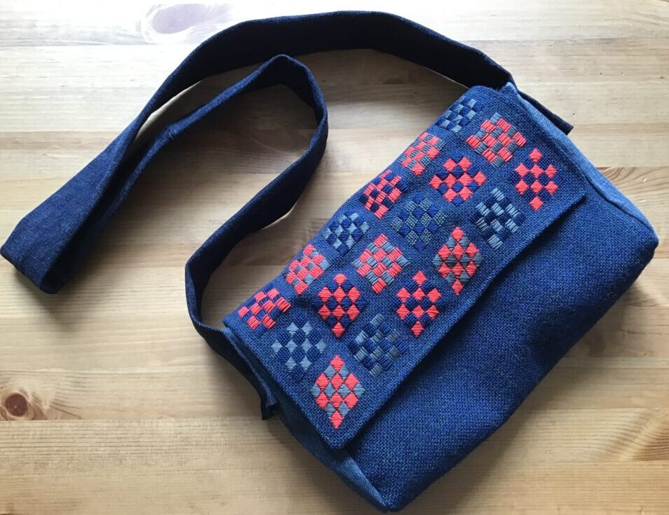 Embroidered bag made out of wool fabric, old jeans and an upcycled shirt